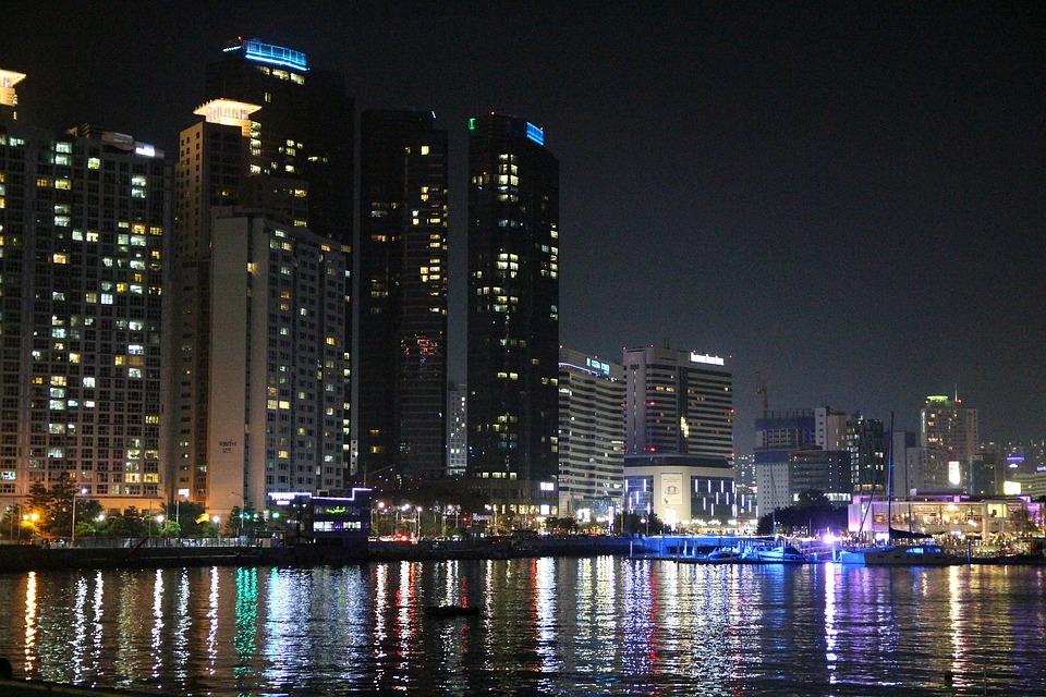 Hasil gambar untuk pemandangan kota