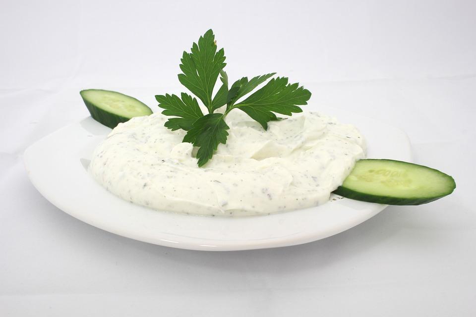 Yoghurt with mint