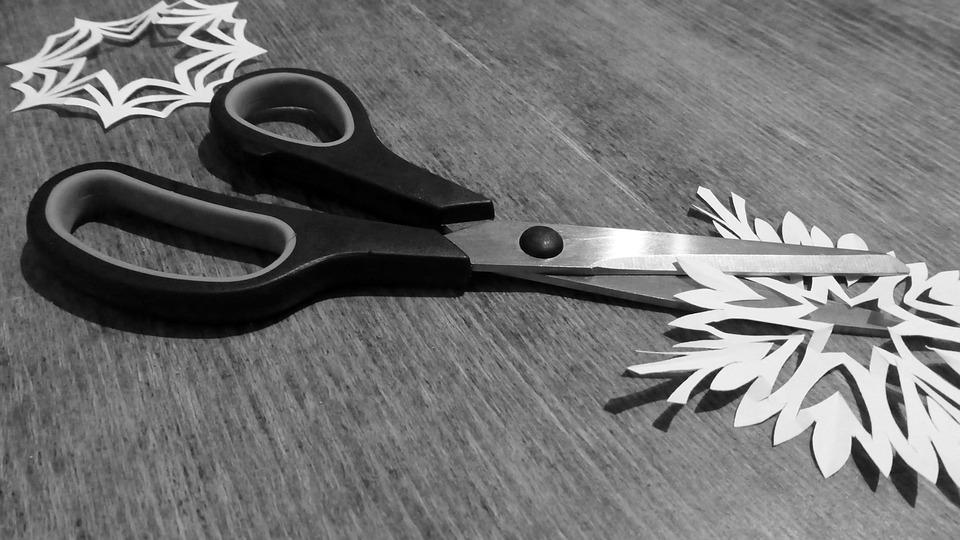 kostenloses foto schere schneiden papier werkzeug kostenloses bild auf pixabay 813990. Black Bedroom Furniture Sets. Home Design Ideas