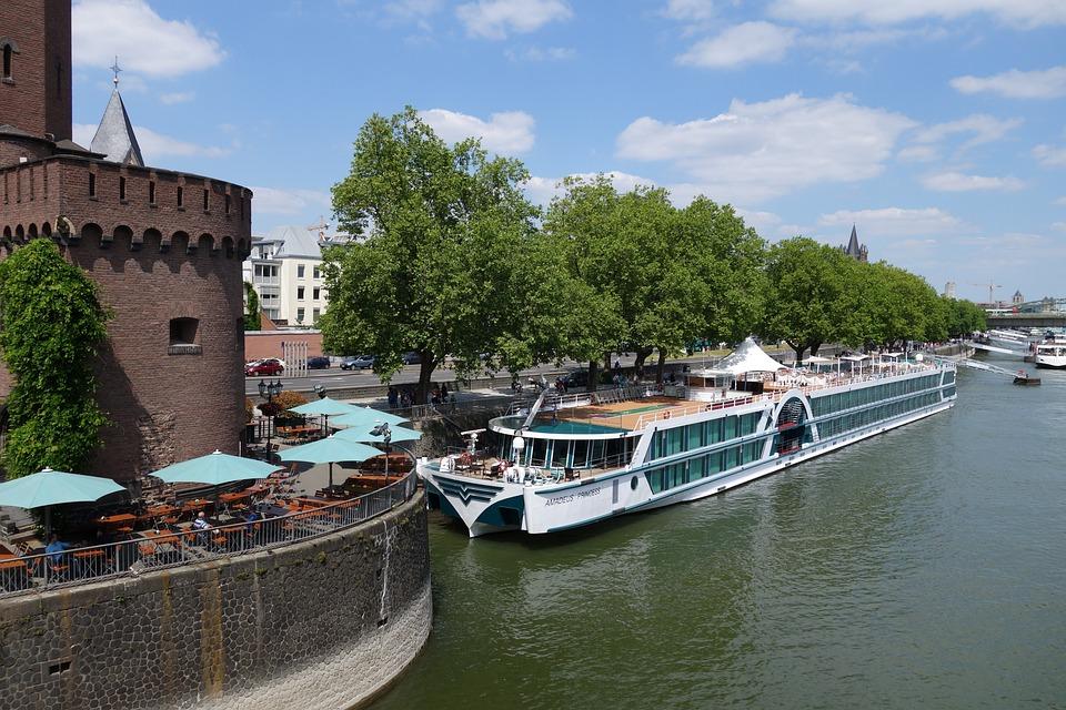 river boat 814059 960 720 » 10 wunderschöne Reiseziele für ihren Urlaub in Deutschland