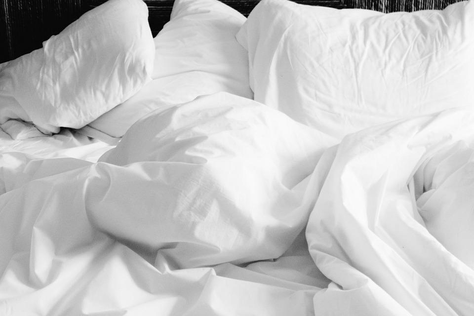 枕, リネン, シート, ベッド, ホワイト, ホーム, 快適です, ベッドルーム, クッション, 誰も