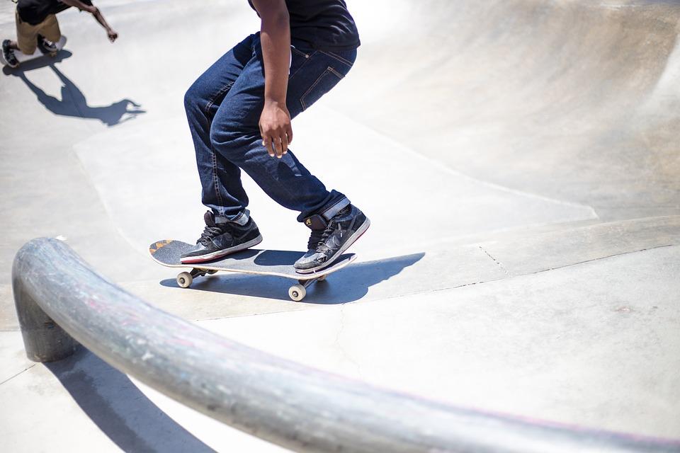スケートボーディング、公園、スポーツ、ストリート、スキル、男、スケーター