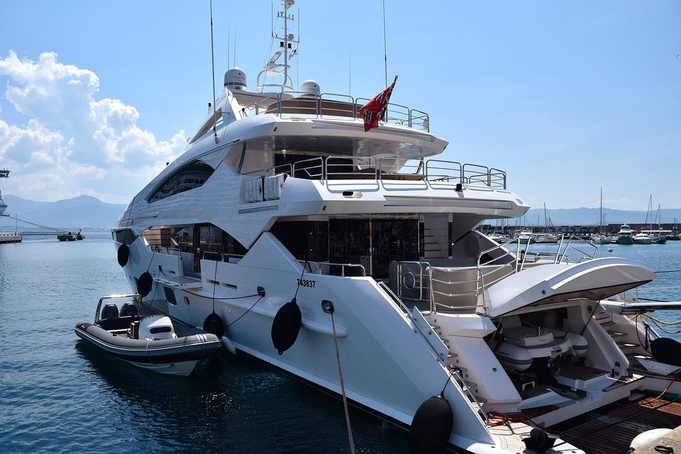 kostenloses foto yacht luxus schiff boot meer kostenloses bild auf pixabay 823681. Black Bedroom Furniture Sets. Home Design Ideas