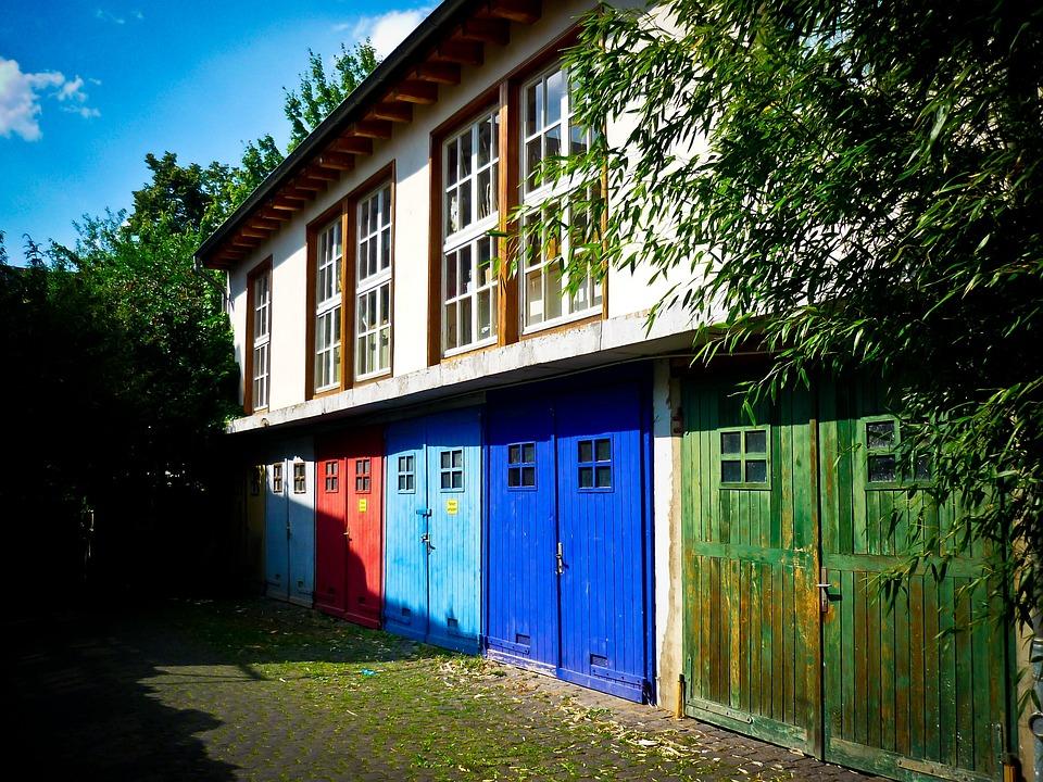 Hinterhof Haus Hausfassade Kostenloses Foto Auf Pixabay