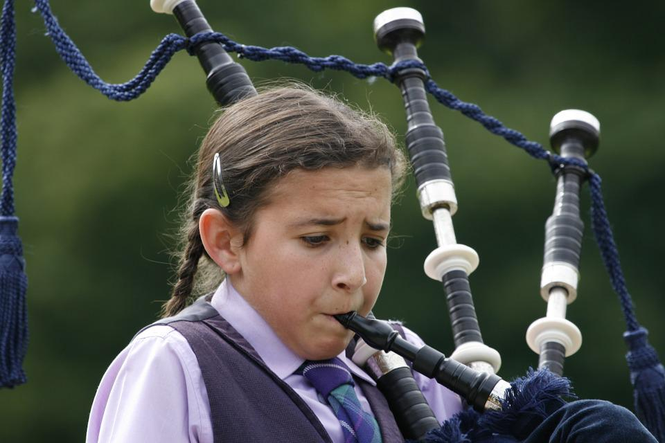 girl bagpipes bag pipe free photo on pixabay