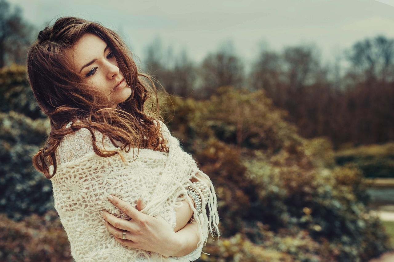 女性, かなり, 女の子, 髪, 美しい, 若い, 思いやりのある, ポーズ, 肖像画, 人間, 謙虚さ, 人