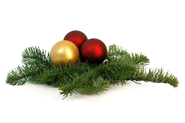 Free photo tree decorations christmas balls free image for Weihnachtsdeko bilder gratis