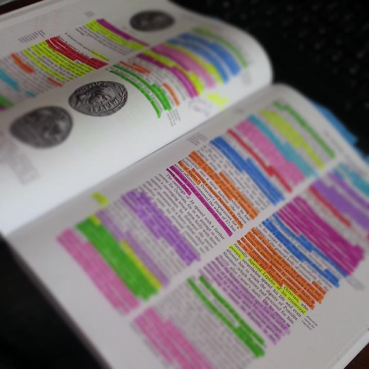 本, 教科書, 大学, 学習, ハイライト, 学校, 教育, 文学, 勉強, 研究, 読書, 読み取り, 学生
