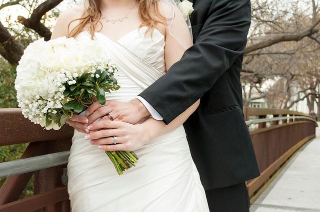 flowers bride groom