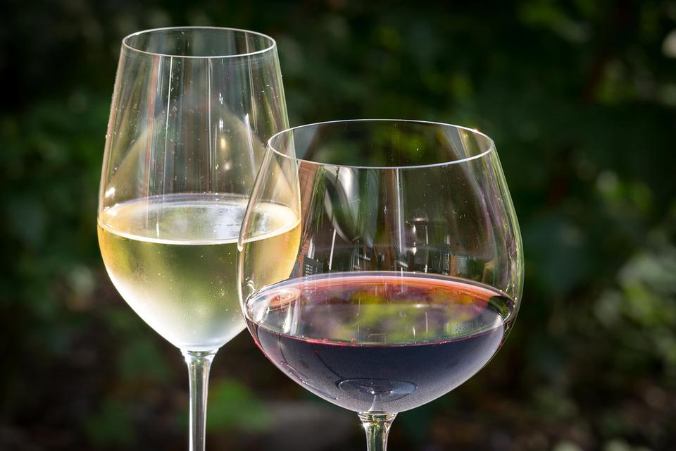 白ワイン, 赤ワイン, ワイン, メガネ, ワイングラス, ミラー, 飲物, 恩恵を受ける, 赤