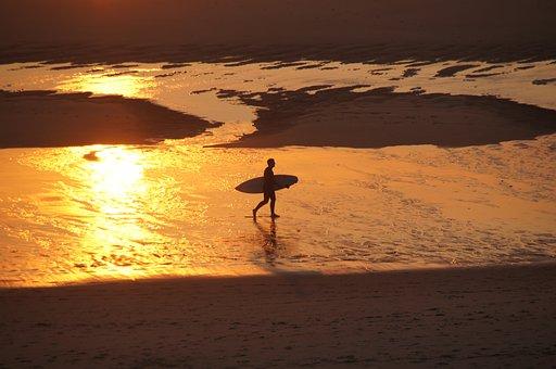beach-854715__340.jpg