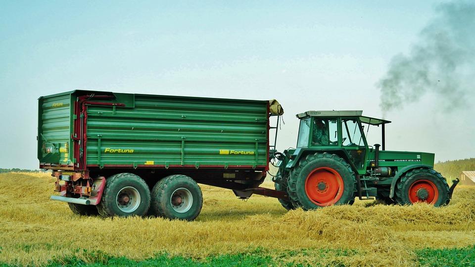 traktor trecker anh nger kostenloses foto auf pixabay. Black Bedroom Furniture Sets. Home Design Ideas
