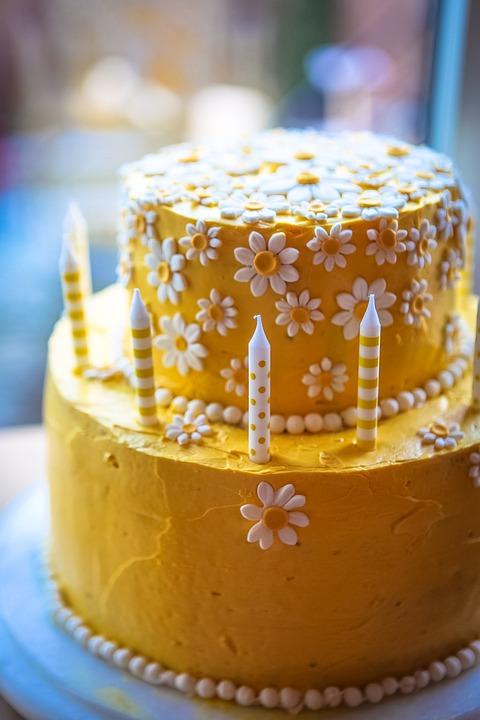 Daisy Cake Yellow Birthday Free Photo On Pixabay