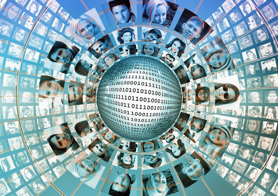 Social Media, Monitor, Austausch, Bildschirm, Gesichter