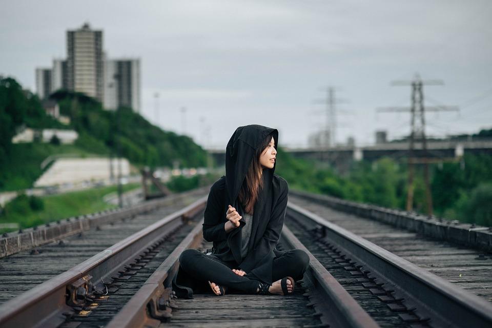 Railroad Tracks, Vergadering, Vrouw, Meisje, Aziatische