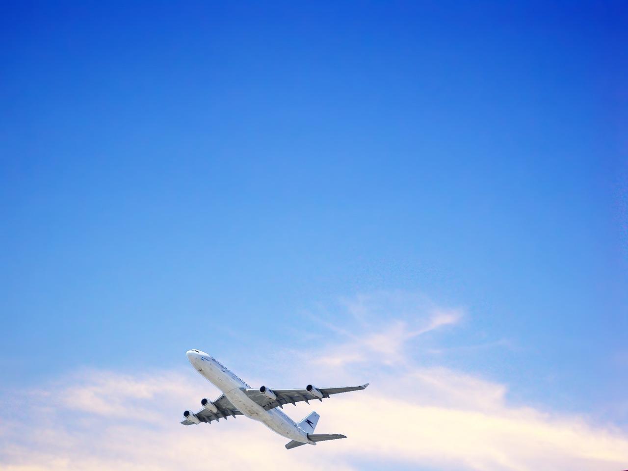 Месяцами, фон для открытки для мужчины с самолетами