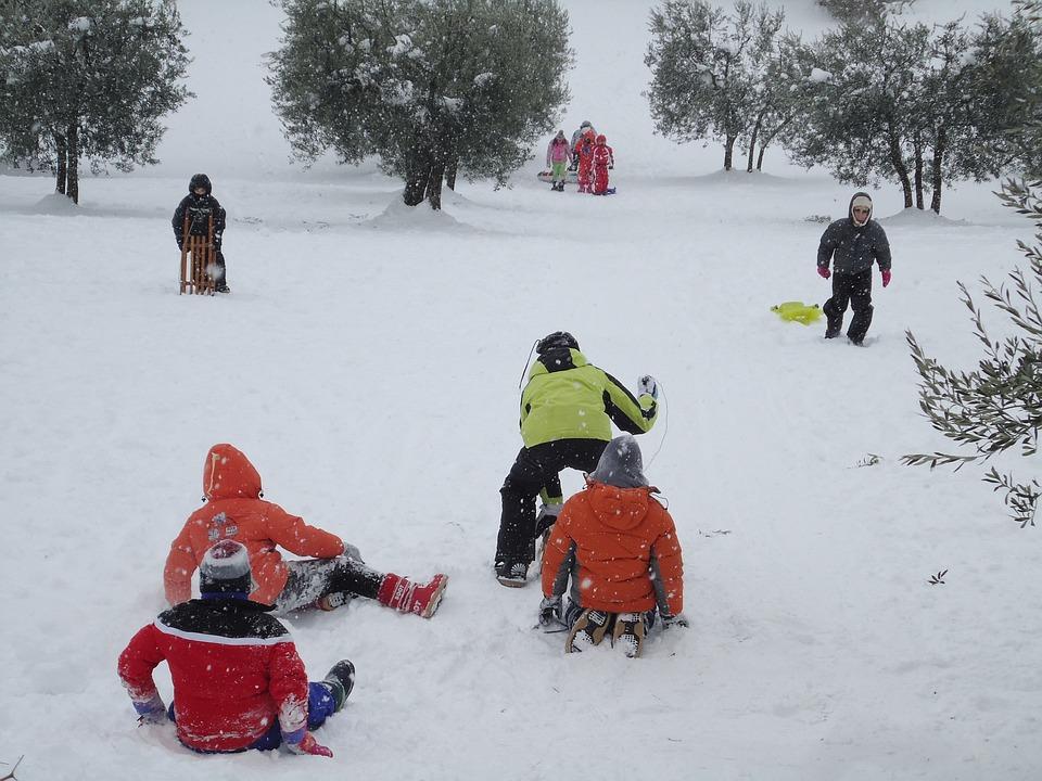 Crianças Na Neve, Inverno, Frio