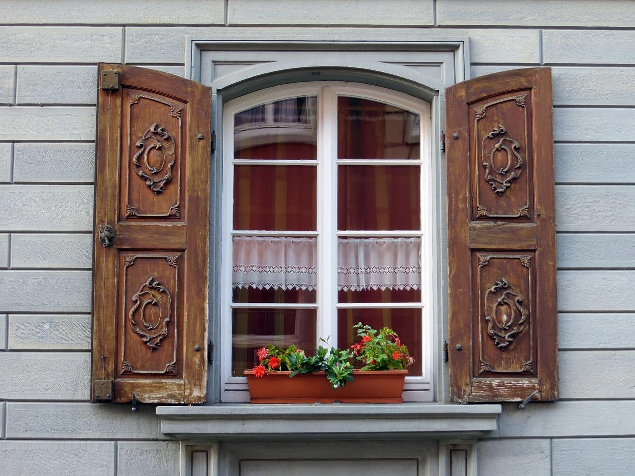 Картинка окна снаружи