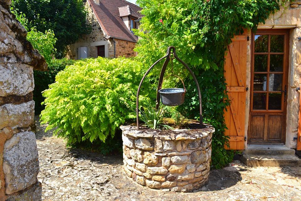 Puits ancien en pierre photo gratuite sur pixabay - Puit en pierre ...