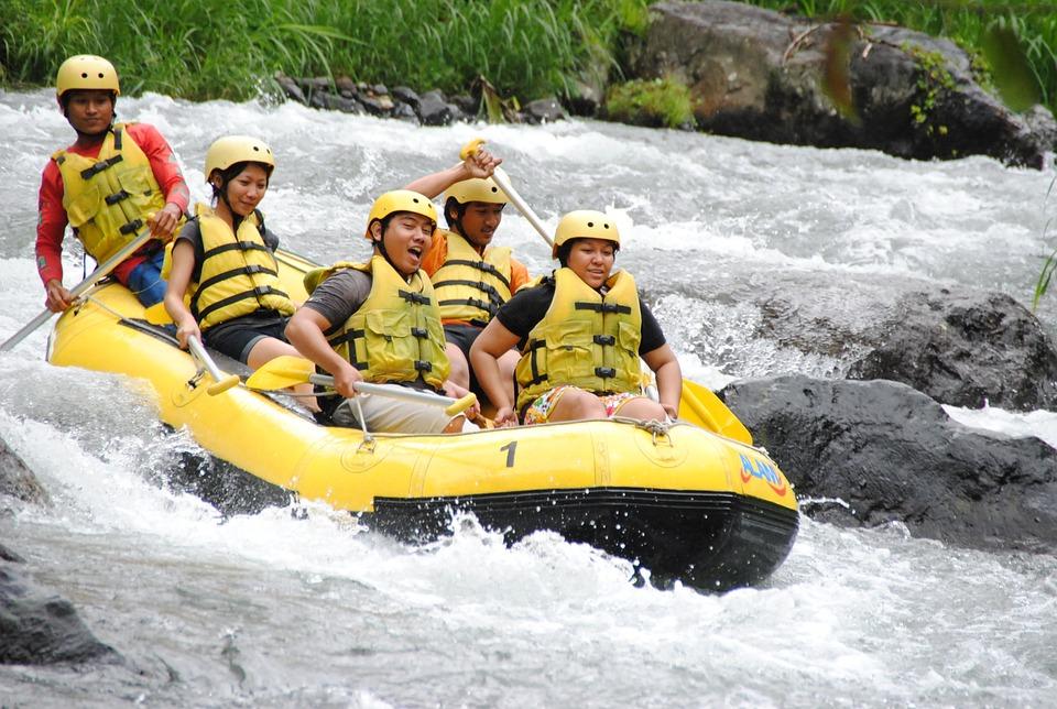 Rafting in Teesta - things to do - honeymoon in Sikkim