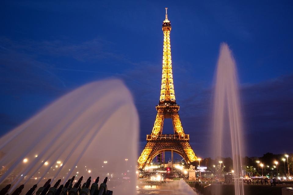 París Torre Eiffel Por La Noche · Foto Gratis En Pixabay