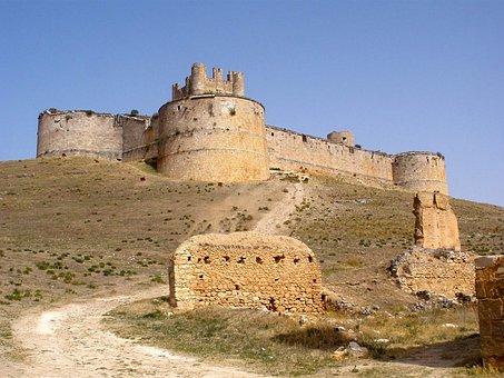 Qué ver qué hacer en Soria, Vista de castillo de Berlanga de Duero Soria