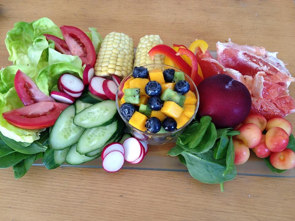 新鮮な, サラダ, 野菜果物, 野菜, キュウリ, ブルーベリー, トマト, 梅, チェリー