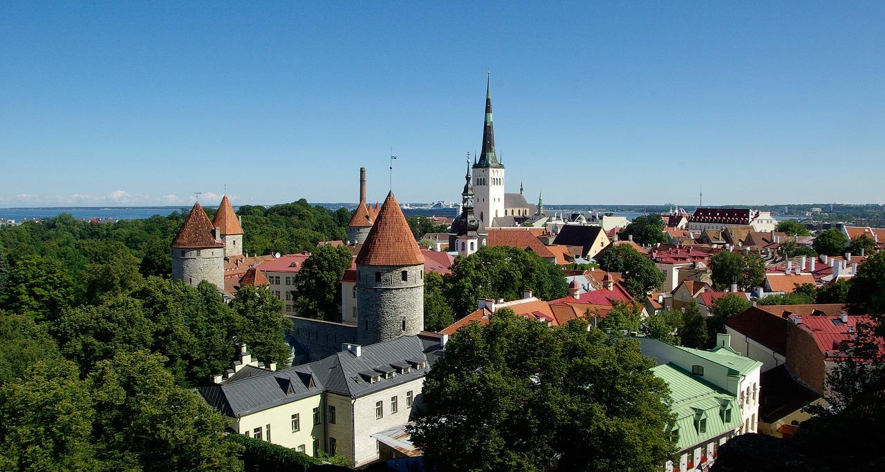 Észtország, Tallinn, Tetőfedő, Építészet
