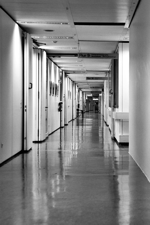 Hospital corridor long free photo on pixabay for Chambre hopital design