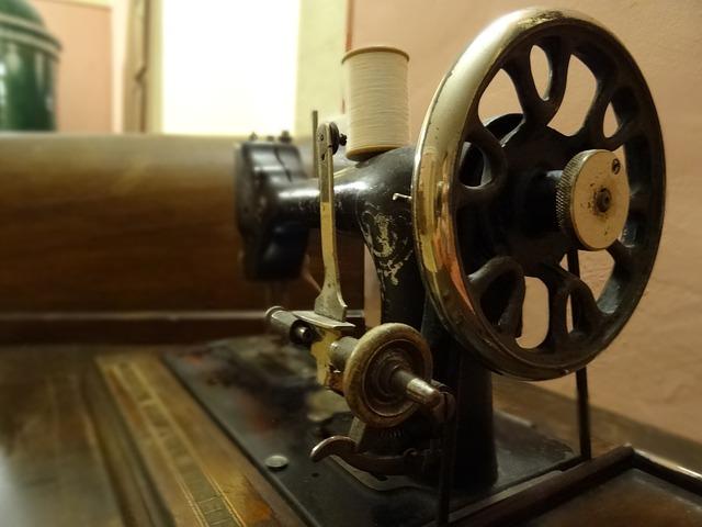 free photo sewing machine old sew free image on pixabay 922793. Black Bedroom Furniture Sets. Home Design Ideas
