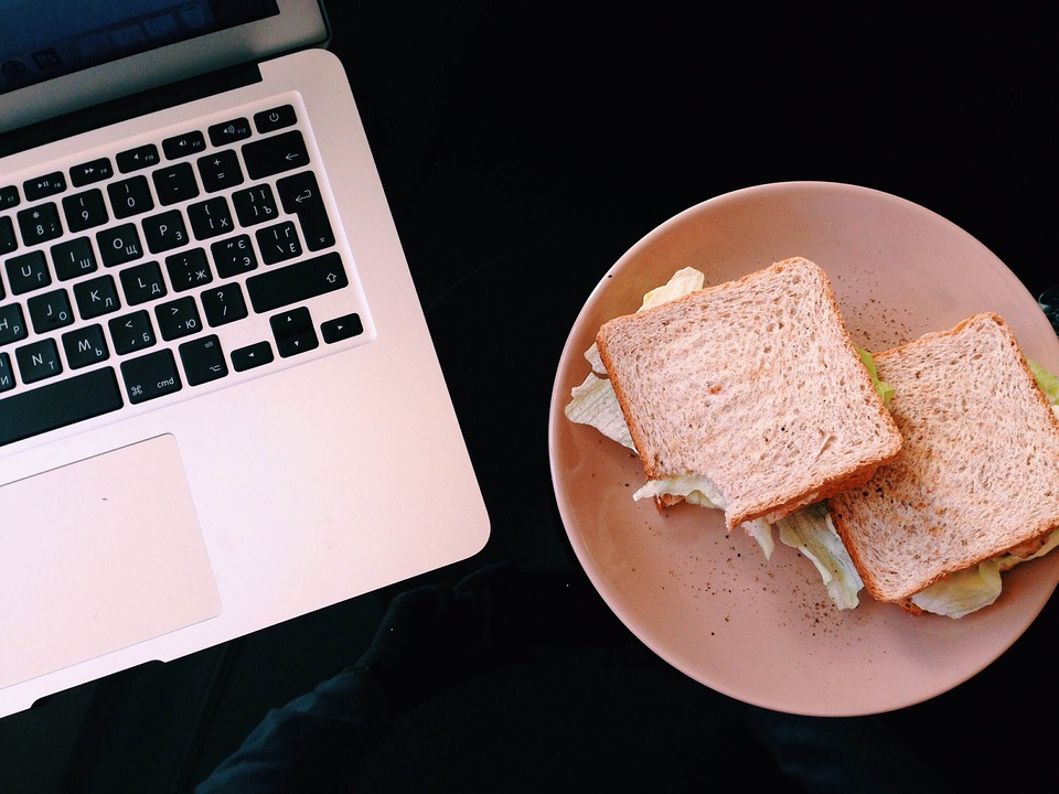 Macbook, Lunch, Sandwich, Food, Plate, Computer, Laptop