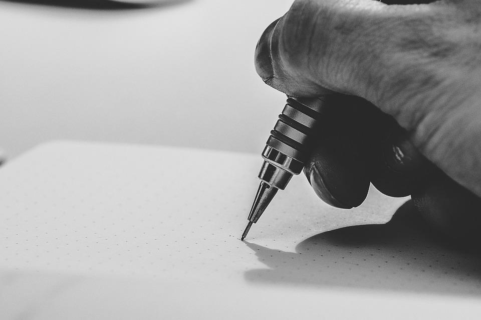面接のお礼状の書き方と例文|封筒/メール・相手別マナー(病院)・必要か