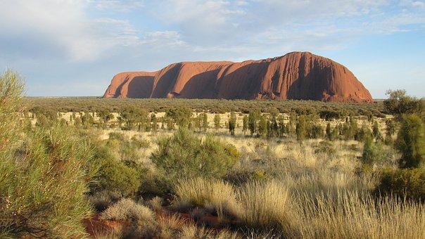 ウォーター, ウルル, エアーズ ロック, オーストラリア中央部, アウトバック グラージュ名古屋はウルル登山に強い、閉山前にウルルに登ろう!エアーズロック登山の専門店グラマラスヴォヤージュへ