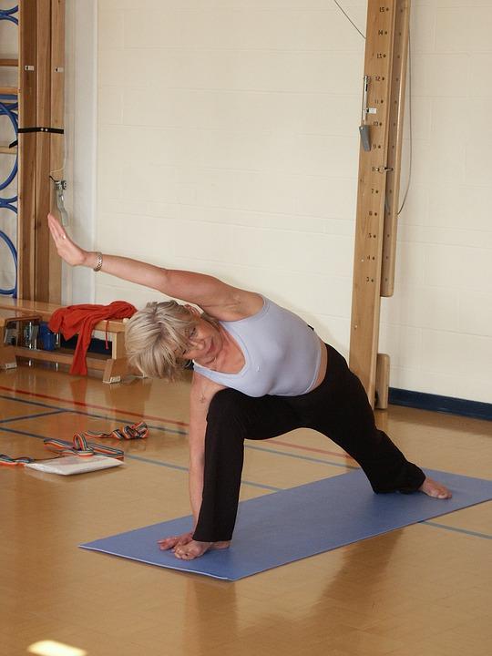 Упражнения в тренажерном зале для похудения в картинках