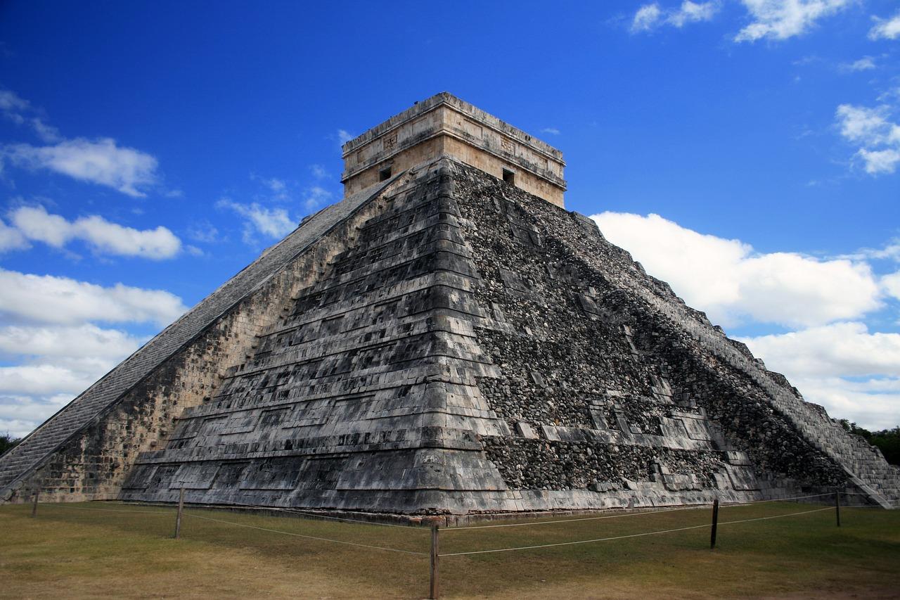 имя фото рисунков на пирамидах майя инете