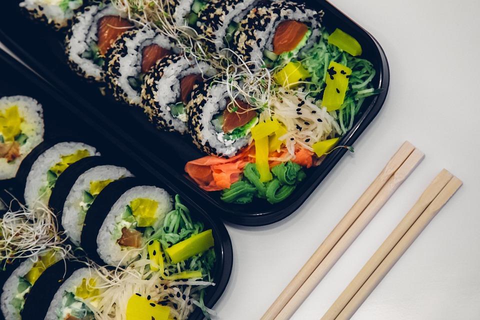 Czy jest opcja zamówienia sushi na wynos?