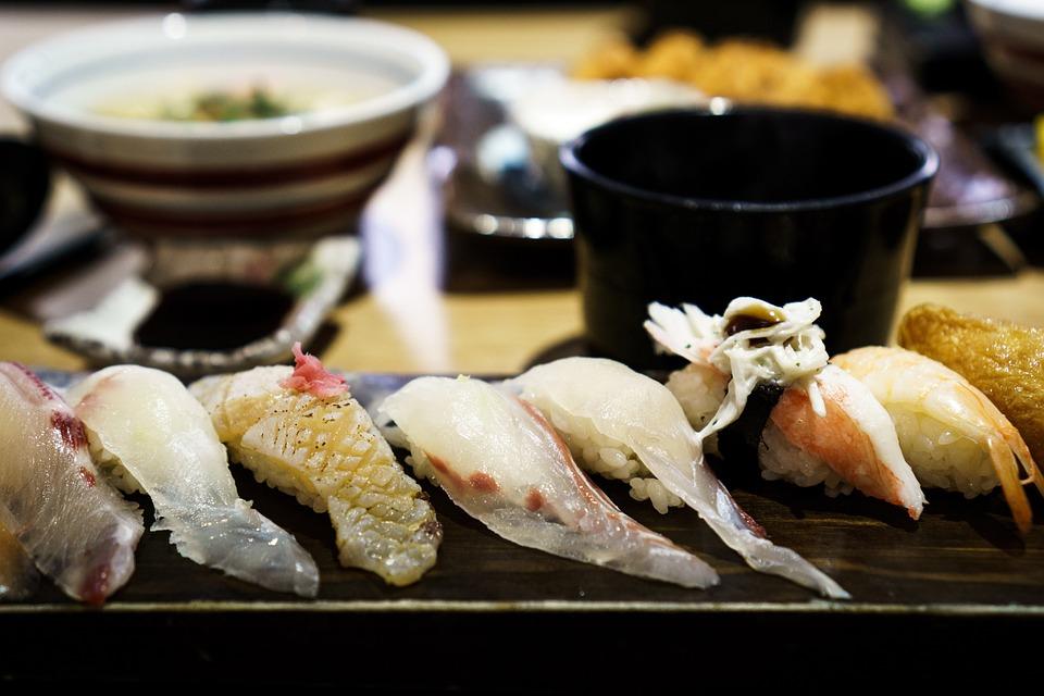 寿司、魚、刺身、食品、シーフード、日本料理、サーモン