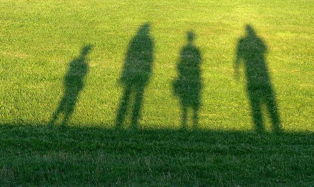 ニートになる原因(親が扶養/劣等感)とその対策(ジョブカフェ)