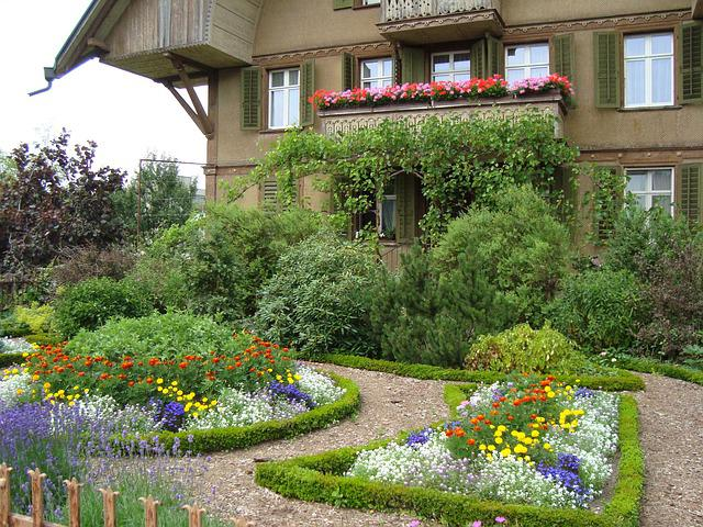 Sumiswald farmhouse garden berner free photo on pixabay - Idee originali per giardini ...