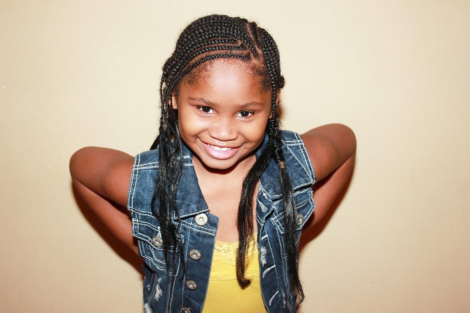 Photo Gratuite Enfant Avec Des Tresses Tresses Image