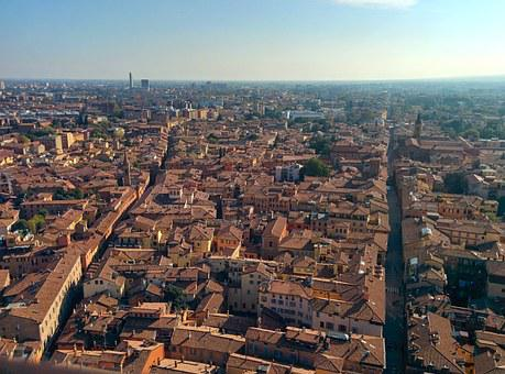 Bologna combines its Limited Traffic Zone (ZTL) with a low emission zone 1 January 2020