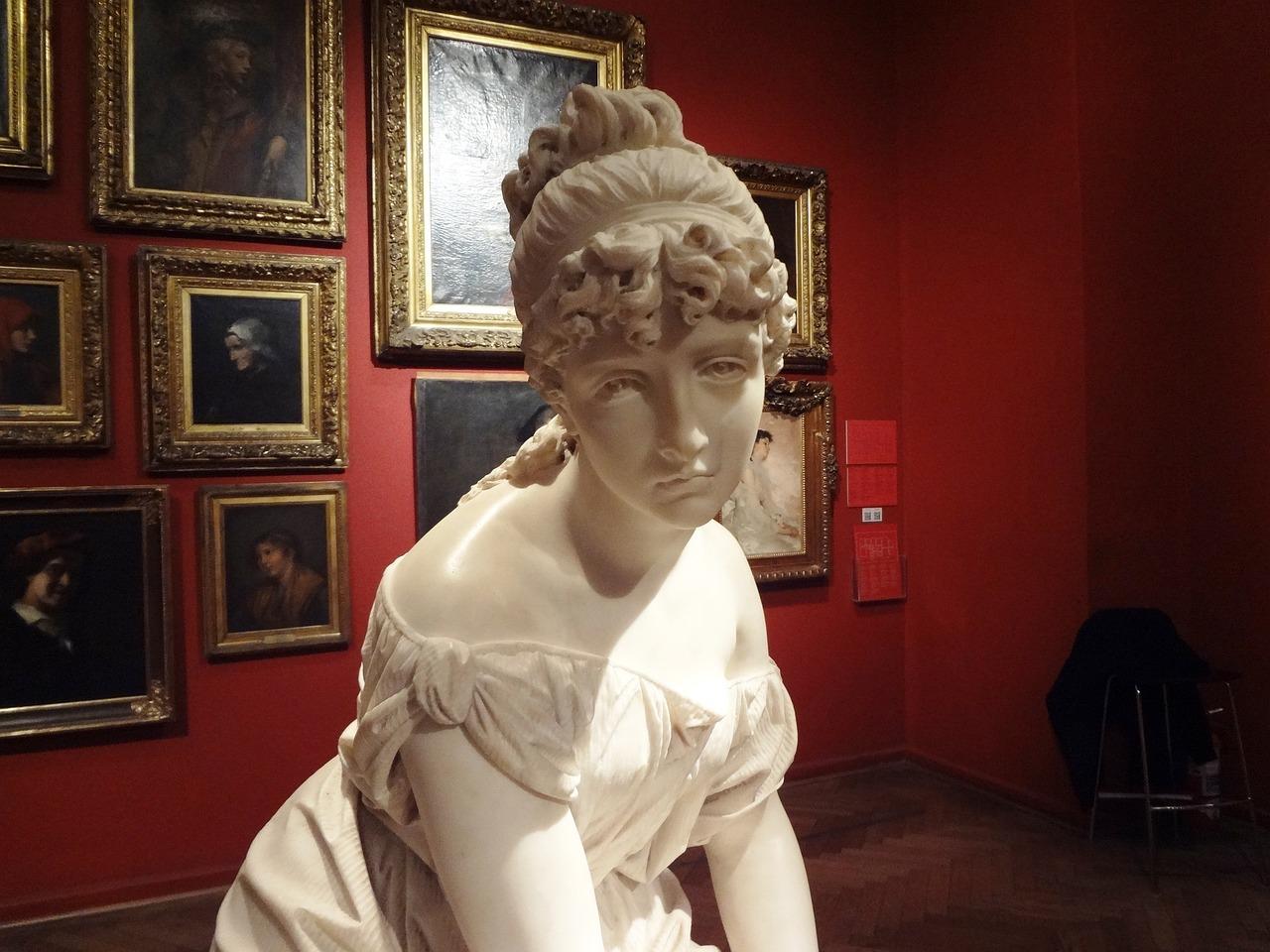 Скульптура в музее картинки