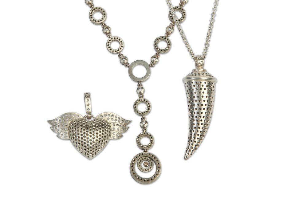 jewelry-945145_960_720.jpg