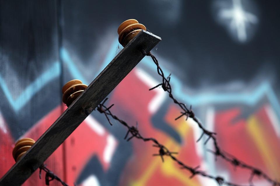 Stacheldraht Grenze Zaun · Kostenloses Foto auf Pixabay