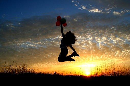 Gadis, Matahari Terbenam, Balon