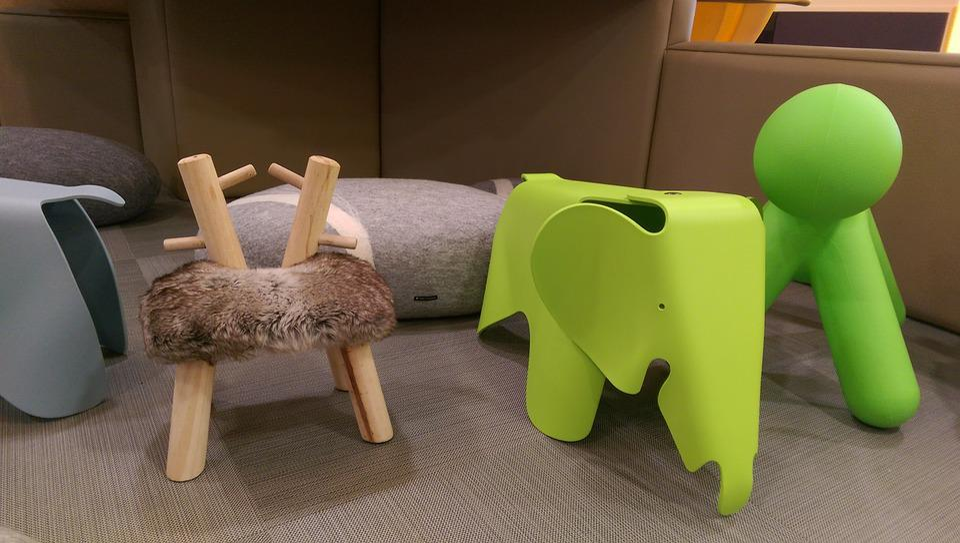 Stoel Voor Kind : Stoel puppy olifant · gratis foto op pixabay