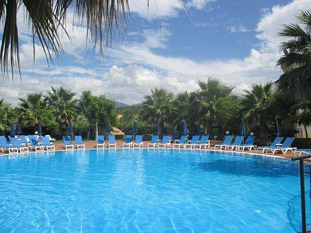 สระว่ายน้ำ, โรงแรม Dolcestate
