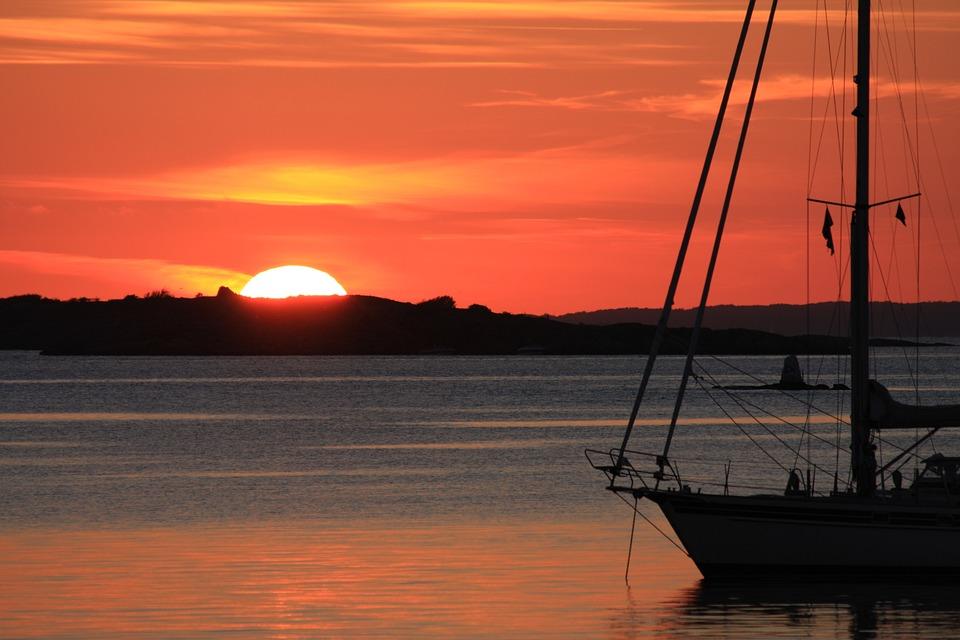 Segelschiffe auf dem meer sonnenuntergang  Kostenloses Foto: Sonnenuntergang, Segelschiff, Meer - Kostenloses ...