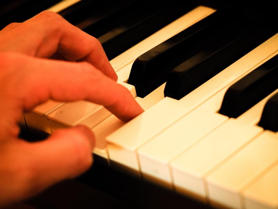 Piano, Mano, Teclas Del Piano, Música, Instrumento