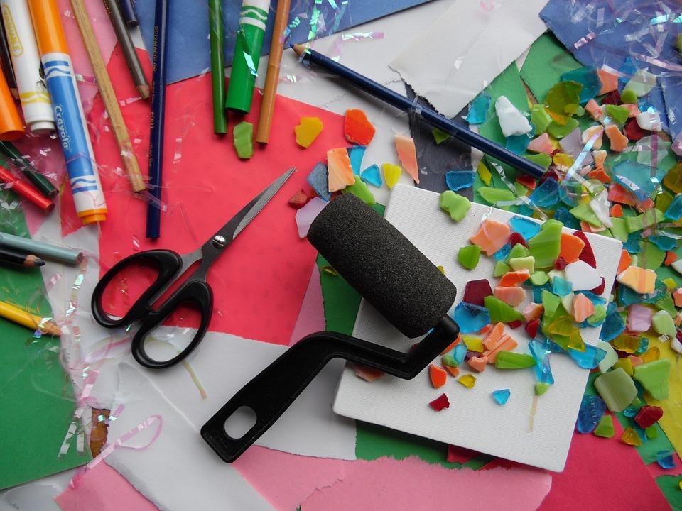 コラージュの意味や使い方|絵画/デジタル画像/建築/音楽/ファッション